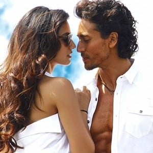 Lo Safar Video Song from Baaghi 2 | Tiger Shroff, Disha Patani